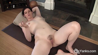 Yanks Stunner Savannah Sly Fucking The Eroscillator