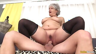 Golden Floosie - Mature Babes Who Love Being on Top Compilation