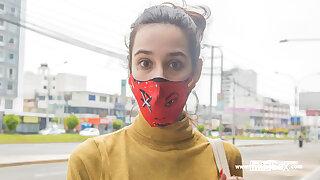 VENEZUELAN Carve tricked into photo shopping bag