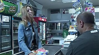 Priscilla gives a client a blow job at the cashier who doesn't know notwithstanding how to pay