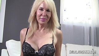 Big tit Erica Lauren giving a animalistic handjob in POV