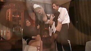 2 demoiselle servant anal sex orgy